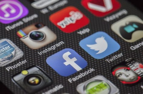 La mitad de las empresas usa redes sociales para ofrecer empleo